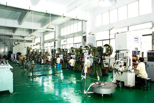 锐硕五金如何选择精密冲压件原材料可以致力于深圳15年呢?