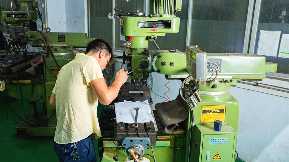 线切割的精度对深圳屏蔽罩厂家的影响有多大-锐硕五金